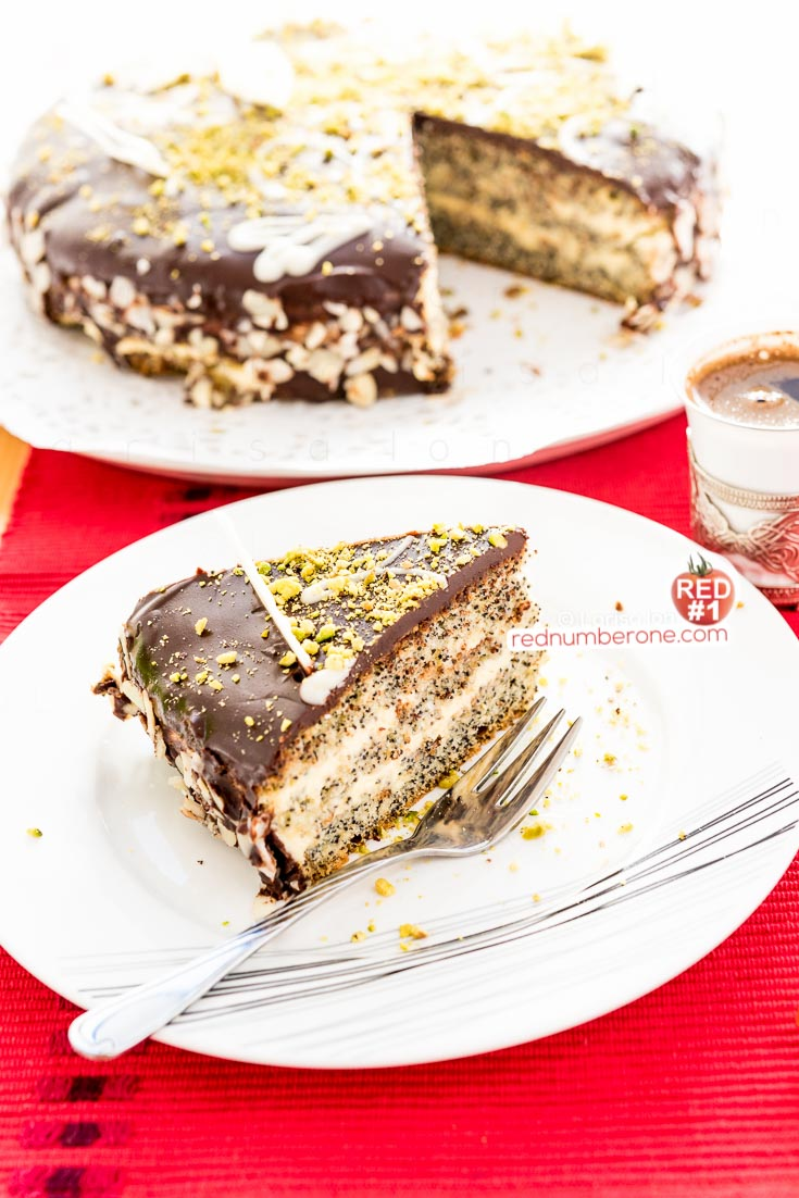 Маковый торт с шоколадной глазурью